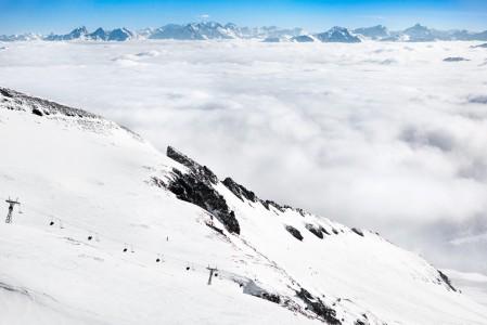 La Sialan hiihtoalue Laaxissa oli useammaksi päiväksi paikoilleen jumittuneiden pilvien yläpuolella.