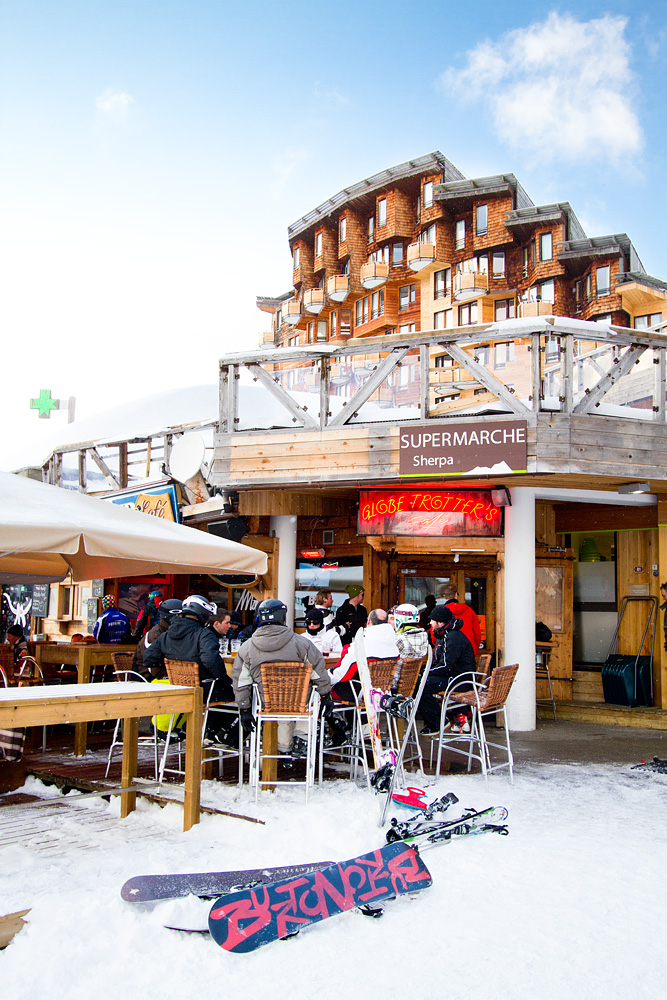 Avoriazista löytyy ranskalaiseksi vauhdikastakin after ski -tunnelmaa.