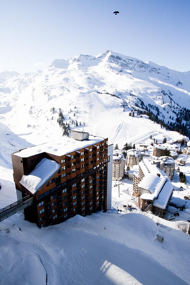 Avoriazin hiihtokeskus Ranskan alpeilla sijaitsee keskellä loputtoman laajaa Portes du Soleilin hiihtoaluetta.