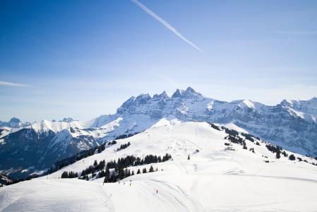 Sveitsin puolelle Avoriazista siirryttäessä rinteiden kunto muuttuu vielä paremmaksi ja oman tilan määrä rinteissä ja niiden ulkopuolella kasvaa.