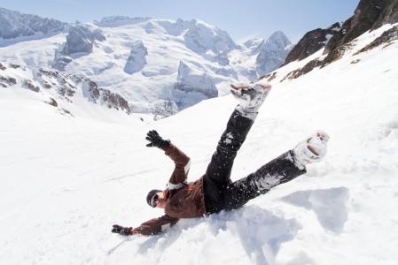 Sami oikaisee Porta Vescovolta Marmoladan suuntaan. Tauon jälkeen laskun lopussa ennen Lago di Fedaiaa etelärinteen lumi kävi vähiin.