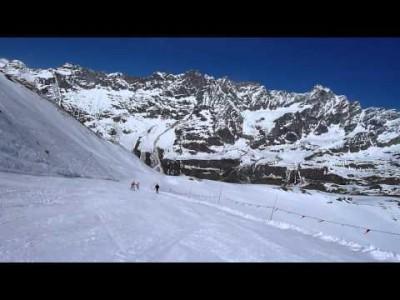 Ventina (rinne numro 7) on yksi Italian pisimpiä rinteitä. Se alkaa Testa Grigialta 3480 metristä ja laskee Cervinian kylään 2006 metrin korkeuteen. Rinteen korkeusero on 1474 metriä.