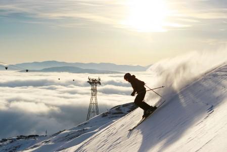 Åressa on hyvällä lumella laajat off-pistemaastot hyödynnettävissä. Tällä tammikuisella käynnillä takamaastoissa oli vain paikoittain riittävä lumipatja.