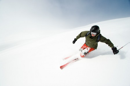 Mayrhofenin hiihtoalueet ja off-pisteet ovat irrallaan ympäri Zillertalin laaksoa. Yksittäin alueet ovat sopivan kokoisia otettavaksi haltuun parin päivän tutkailulla.