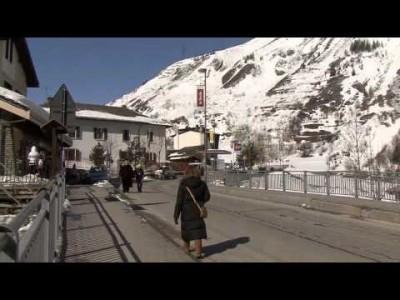 Aostan laakson takalaitaan piiloutunut sympaattinen La Thuilen hiihtokeskus pikaesiteltynä.