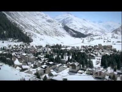 Keskuksen virallinen esittely vuodelta 2011 sisältää runsaasti kesä- ja talvimaisemia Sveitsin Alpeilta.