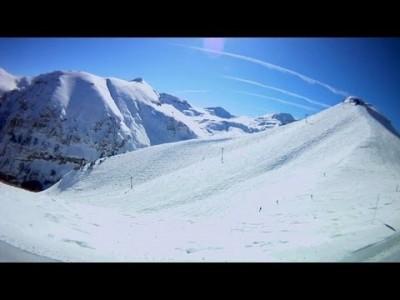 Yhdeksän minuuttia pitkä ja yli 1000 m korkeuseron sisältävä lasku Telluriden hiihtokeskuksessa huipulta takaisin kylään.