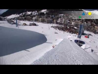 Davos Klostersin kylän, hiihtokeskuksen ja harrastusmahdollisuuksien esittelyä.