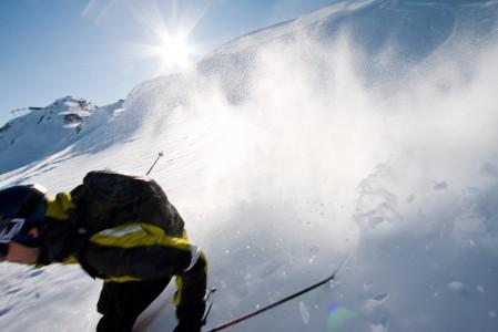 Whistlerin legendaarinen hiihtoalue ei suurista lumisademääristään huolimatta tarjoa aina unelmapuuterikelejä. Monesti lumi sataa meren lähellä kosteampana tai turhan lämpimässä säässä.