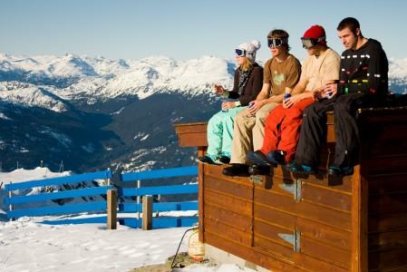 Whistlerin ja Blackcombin yhdistetyllä hiihtoalueella on 17 taukoamiseen kutsuvaa rinneravintolaa.