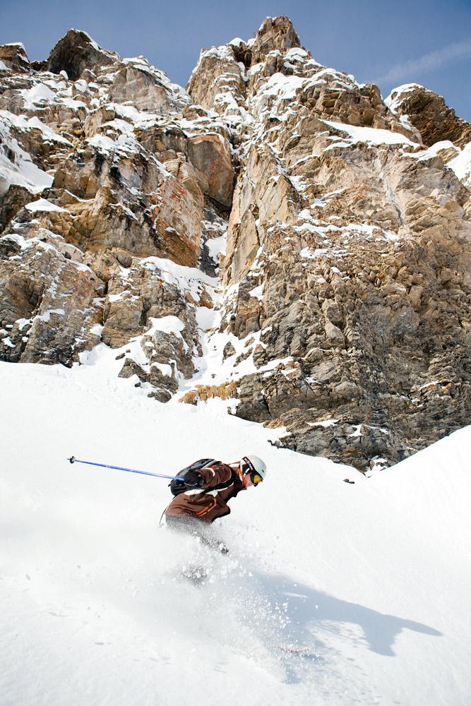 Engelbergin hiihtoalueella rittää reilut 80 kilometriä hoidettua rinnettä. Enkelivuoren suurin vetovoima löytyy kuitenkin niiden ulkopuolelta.