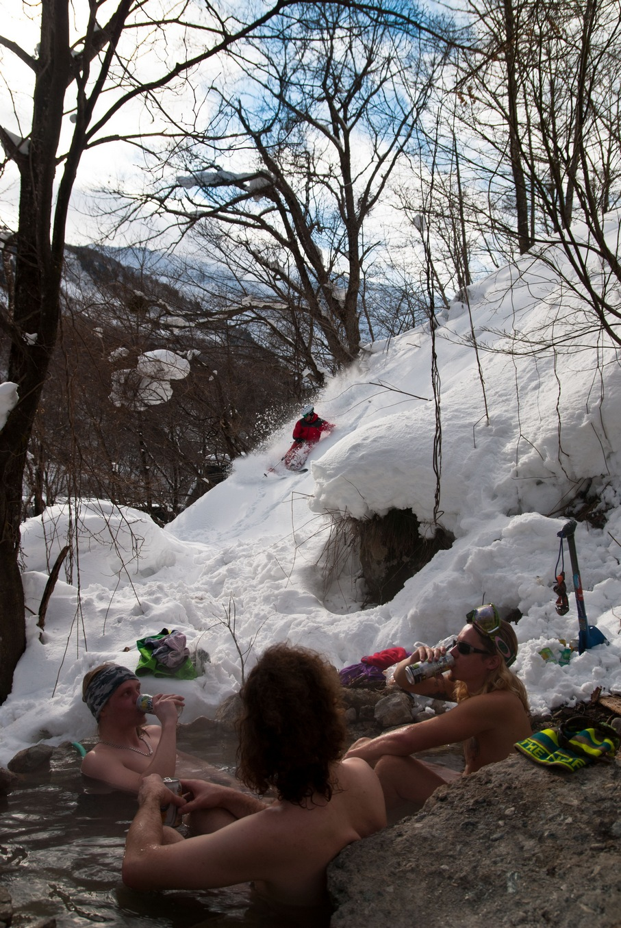 Ski in to the Natural Onsen and enjoying very good after ski !