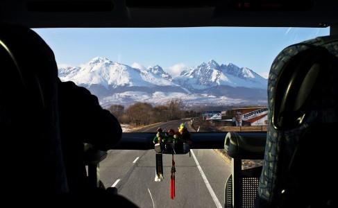 Bussikyydissä Puolan Zakopanesta kohti Slovakian Jasnaa.