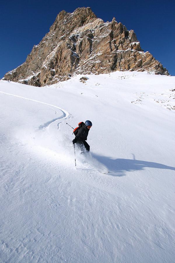 Zermattin laajalle alueelle mahtuu rutkasti hienoa offaria laskuvälineiden tallottavaksi.