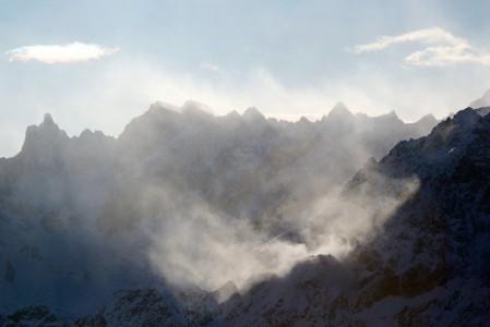 Cervinian ja Zermattin toisiinsa yhdistyvien hiihtoalueiden maisemapaikoilta saa bongattua kerralla hyvän kokoelman Alppien korkeimpia huippuja.