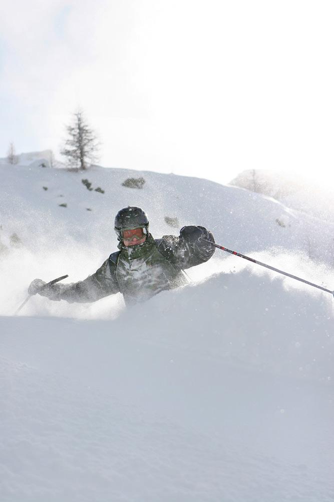 Cerviniassa koettiin parin päivän puuterifiesta ennen kuin tuuli vei parhaat lumet pois.