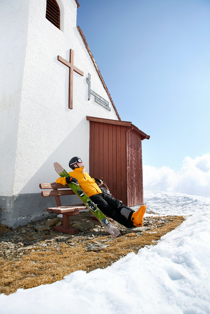 Söldenin Giggijoch-alueelta löytyy heti rinteiden yläpuolella haikkaajien ensimmäiseksi hengähdyspaikaksi soveltuva rinnekirkko.