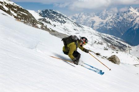Sölden on Itävallan lumivarmimpia kohteita. Lumitakuuna toimii kaksi erillistä jäätikköä.