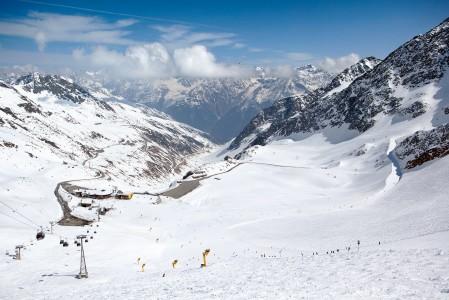 Alppihiihdon maailmancup avataan vuosittain Söldenissä, tässä rinteessä.