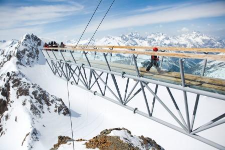 Söldenin BIG3 tarkoittaa hiihtoalueen kolmea yli kolmetonnista huippua. Jokaisella huipulla (Gaislachkogl 3058 m, Tiefenbachkogl 3250 m ja Schwarze Schneid 3340 m) on näköalatasanne.