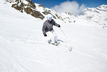 Sölden on Itävallan parhaimpia hiihtokeskuksia. Alueen pisin rinne tarjoaa jopa 15 km hyvin hoidettua laskettavaa.