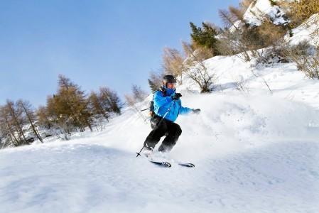 Arabban pohjoisrinteille kätkeytyy sopivan viettäviä off-pisteitä, joissa lumi säilyy pitkään hyvänä.