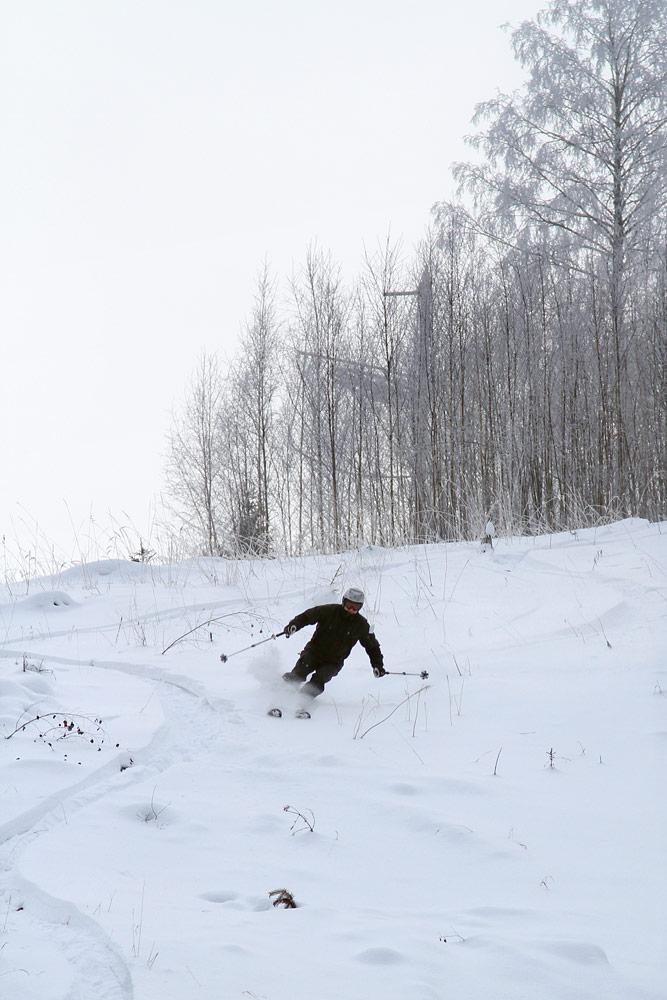 Etelä-suomalaisittain mainioita off-pisteitä putsailemassa Kalpalinnassa joulun välipäivinä.