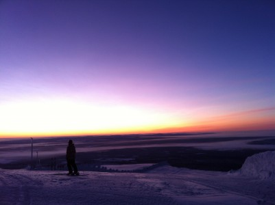 29.12.2012 Ylläkseltä otettu kuva satumaisien auringonnousun alkaessa hieman aamu kymmenen jälkeen.