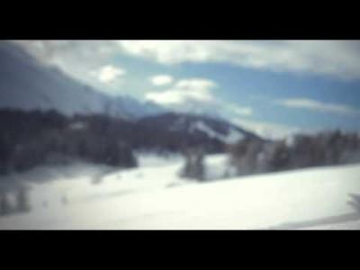 La Clusazin maisemien, harrastusmahdollisuuksien ja hiihtoalueen esittely.