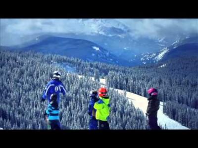 Vailin hiihtokeskusesittelyssä offareita ja hiihtokouluja.