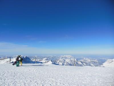Titliksellä Sveitsin Engelbergissä ylimmät rinteet laskeutuvat 3050 metrin korkeudesta