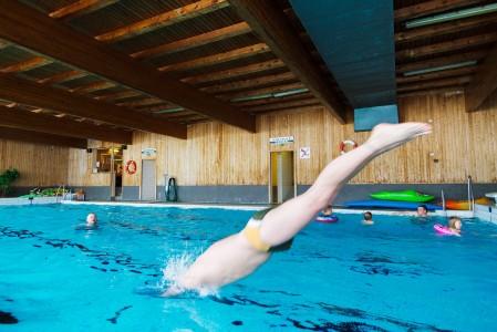 Oloksella after ski ei tarkoita raivokasta rellestämistä, vaan enemmänkin rinteiden jälkeistä rentoutumista. Uimahalli vetreyttää mukavasti rinteiden kangistamat lihakset.
