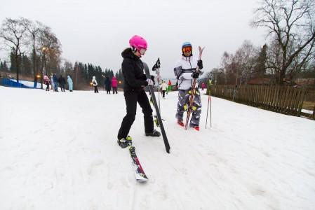 Vaikka oikea talvi ei ollut vielä tammikuun alussa 2014 saapunut Etelä-Suomeen, pääsi Messilän rinteillä laskemaan lähes talven veroisesti.