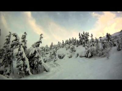 Alyeskan puurajan alapuoleisilta offareilta löytyy syvää lunta ja pienten jyrkänteiden täplittämää temppumaastoa.