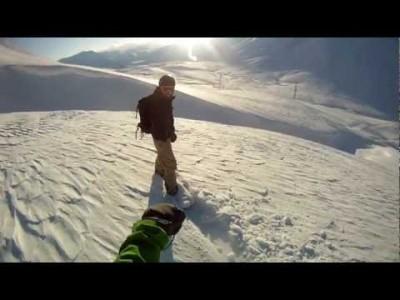 Georgian Gudauri on mahdollisesti koko suuren vuoriston kehittynein hiihtokeskus ja parhaita puuteripaikkoja. Hisseiltä laskettavaa tavoittaa jo mukavasti, mutta haikkaamalla tai helikopterin kyydillä käytettävissä oleva maasto alkaa tuntumaan rajattomalta