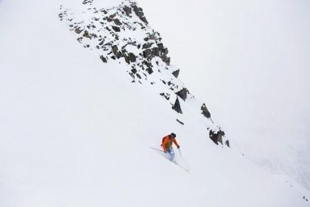 Oppaan matkassa Pitztalissa pääsee jo ensikäynnillä todennäköisesti koskemattomalle lumelle.