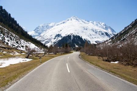 Pääsiäisen aikaan korkeammalla sijaitsevat alppikohteet ovat lumivarma valinta.