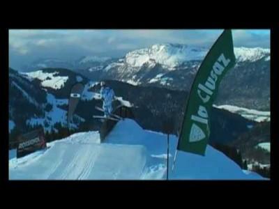 Ranskan La Clusaz on monipuolinen hiihtokeskus, joka mieltyy toisinaan lähinnä lapsiperheiden kohteeksi. Alueelta löytyy kuitenkin laadukkaat snow parkit Manigodista ja Crêt du Loupista.