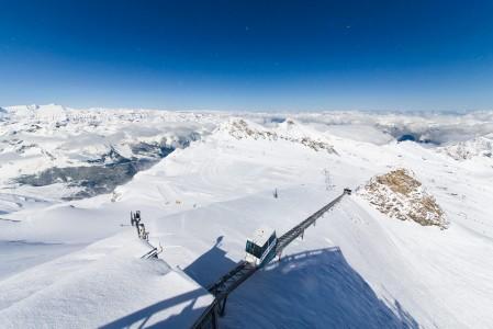 Zell am Seen hissilipulle saa melkoisesti lisää lumivarmuutta viereiseltä Kitzsteinhornin jäätiköltä.