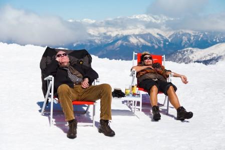 Kaikki eivät tule Kitzsteinhornin hiihtoalueelle laskuhommiin. Pelkästään auringosta, maisemista, tarjoiluista ja ilmapiiristä nauttiminen on toiseksi paras vaihtoehto.