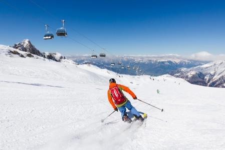 Kitzsteinhornin leveät rinteet sopivat hyvin rentoon telemark-kanttailuun