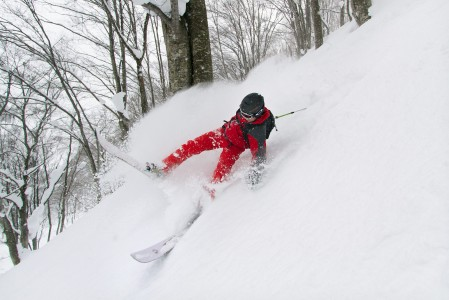 Hetkeä ennen lähempää tutustumista pehmeään lumeen. Syvässä ja pehmeässä lumessa ylös ei nousta hetkessä.