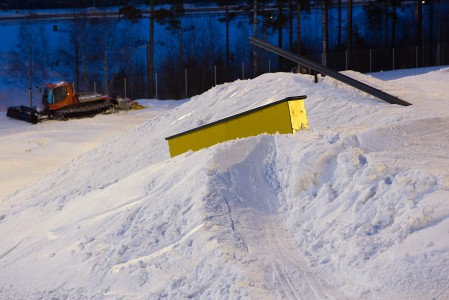Kivikon Lumiparkki oli helsinkiläisille todellinen lähimäki, parkkiin pääsi paikallisliikenteen bussilla.
