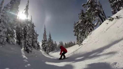 Timberline on Yhdysvaltojen ainut läpi vuoden auki oleva hiihtokeskus. Videossa on muutama nautinnollisen näköinen veto tässä oregonilaiskeskuksessa.