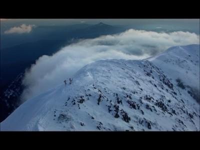 Client Liaison -bändin musikantit laskevat itse tuoreella musiikkivideollaan Mt Bullerin rinteillä Australiassa
