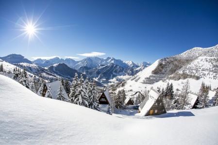 Alpe d'Huezin hiihtokeskuksessa on 17 hotellia, mutta myös pieniä ja tunnelmallisia alppimajoja.