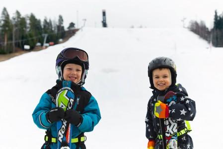 Pikkupojat huiputtivat Mikkelin Tornimäen ja ottivat rinteet haltuunsa.