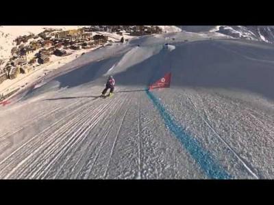 Ski cross on vauhdikkuutensa ja vaarallisuutensa vuoksi mitä jännittävintä ja viihdyttävintä katseltavaa. Tämä tallenne on Val Thorensin tammikuun 2015 kisoista.