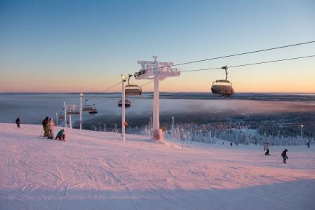 Rukan uusi kuuden hengen tuolihissi edustaa hissimukavuuden ja -nopeuden kärkikastia Suomessa.