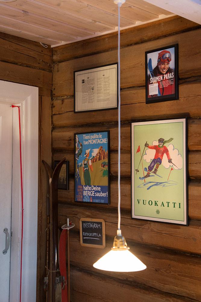 Ripa's Kuppila sijaitsee Vuokatin huipulla vanhassa palovartijan mökissä. Paikan tunnelma, munkit ja kaakao on kokemisen arvioinen yhdistelmä.